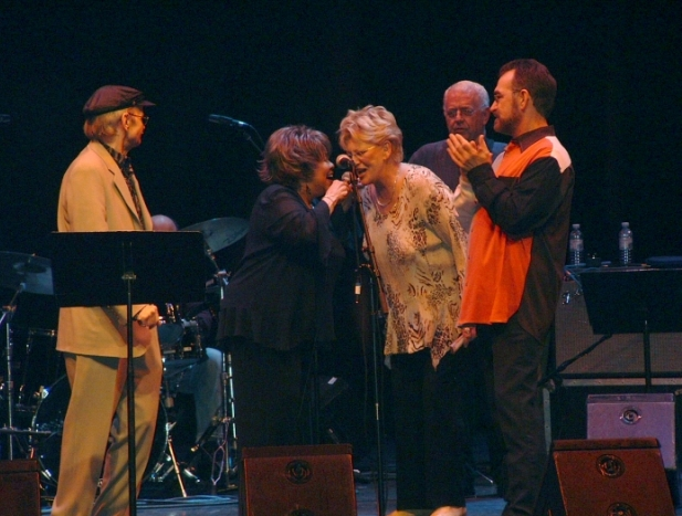 George Soule, Mavis Staples, Bonnie, Jimmy Johnson, & Donnie Fritts at the Barbican concert, London, 2005