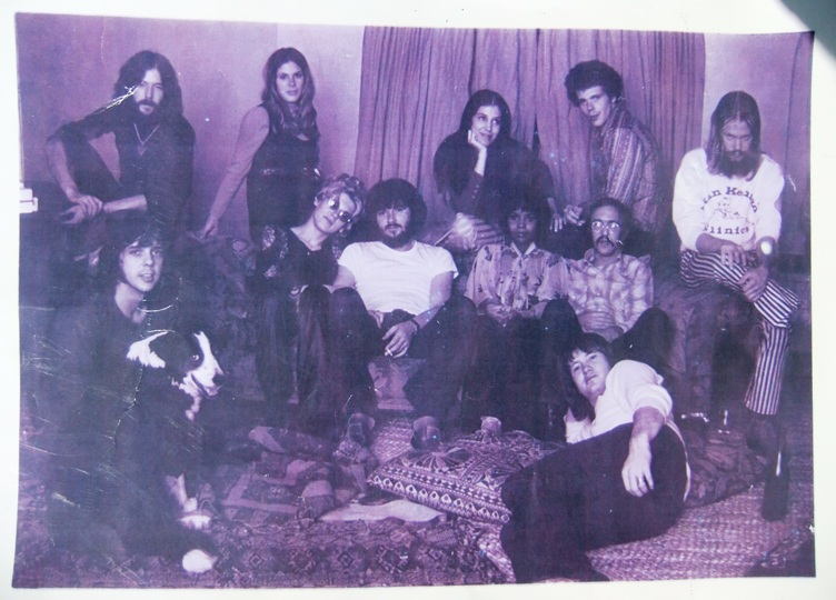 Delaney & Bonnie and Friends with PP Arnold, relaxing at Eric Clapton's, 1969