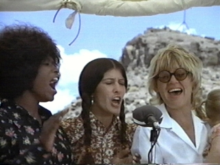 Merry Clayton, Rita Coolidge and Bonnie singing in the film in Vanishing Point